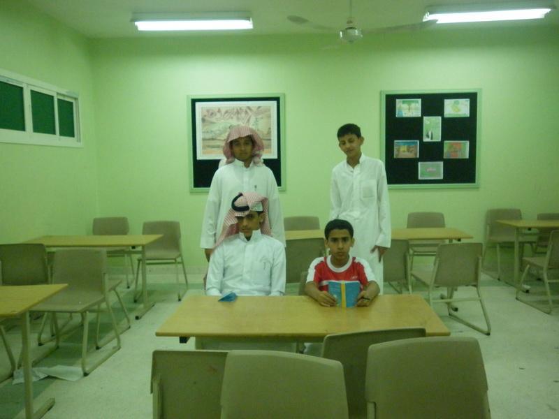 ملتقى التوعية الاسلامية بمدرسة الفائجة 8Kj72836.jpg