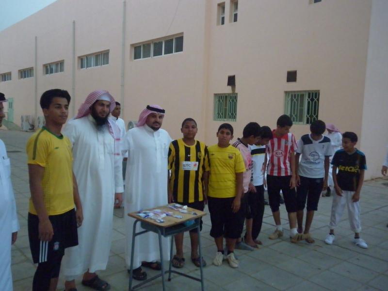 ملتقى التوعية الاسلامية بمدرسة الفائجة CiD73699.jpg