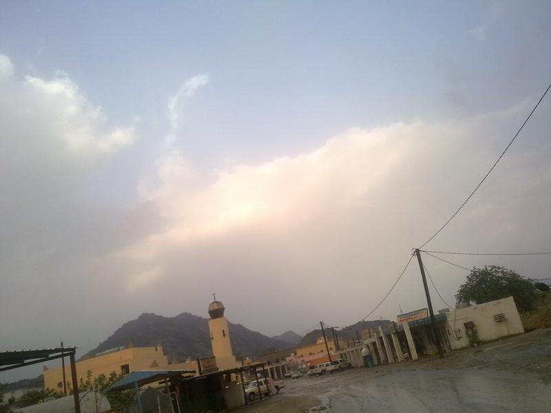 أمطار الفائجة الخميس 1432/2/9هـ QWM35229.jpg