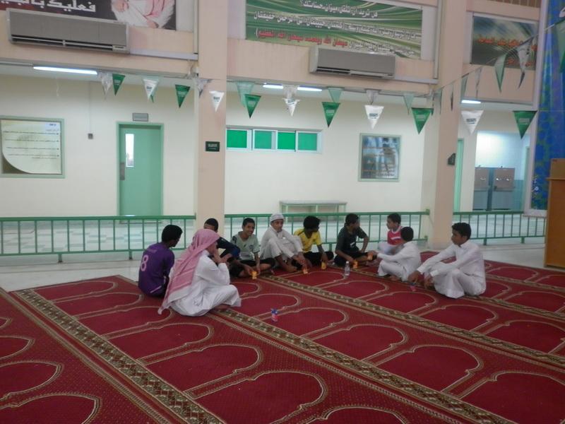 ملتقى التوعية الاسلامية بمدرسة الفائجة XYV72153.jpg
