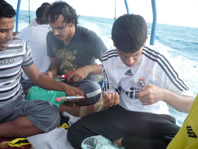 رحلة بحرية لأعضاء المنتدى(صور) XjD75850.jpg