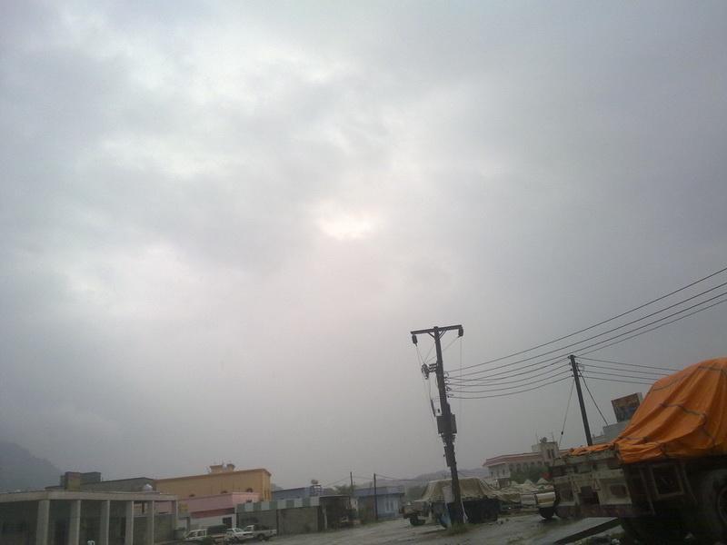 أمطار الفائجة الثلاثاء 1432/2/14هـ YFi67911.jpg