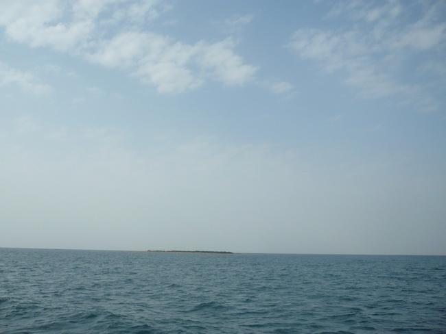رحلة بحرية لأعضاء المنتدى(صور) egm75902.jpg