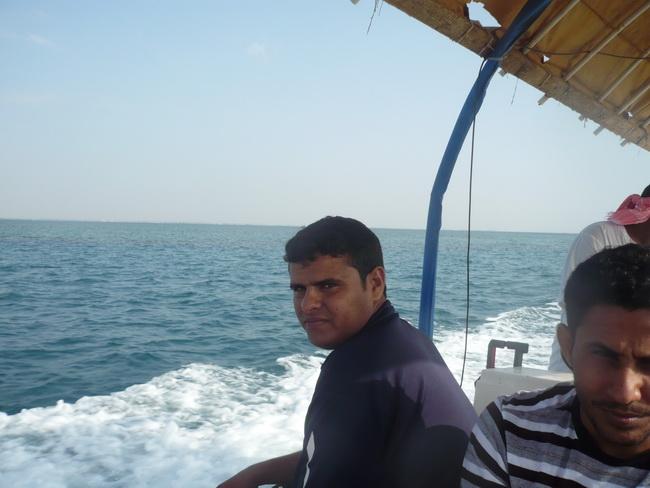 رحلة بحرية لأعضاء المنتدى(صور) n0875901.jpg