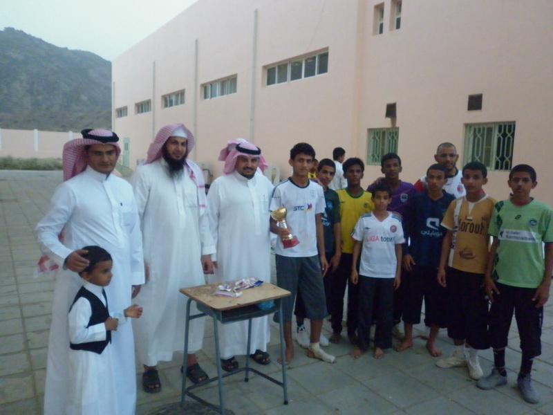 ملتقى التوعية الاسلامية بمدرسة الفائجة pMj73699.jpg