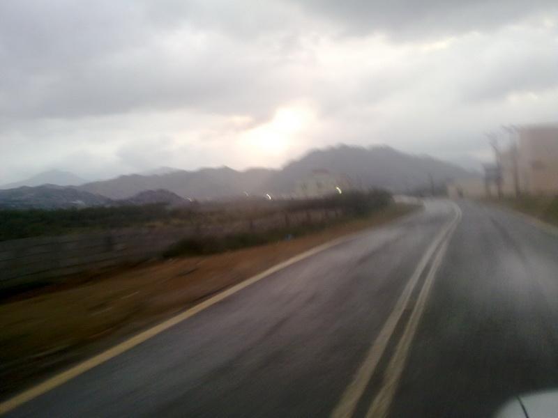 أمطار الفائجة الأحد 1432/2/5هـ uJa88579.jpg